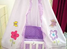 سرير أطفال بحالة جديدة