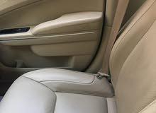 للبيع سيارة نظيفة جدا نوع كرايزلر صالون سي 300 لون ابيض