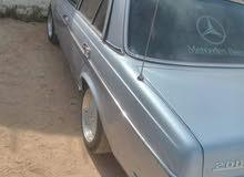 E 200 1981 for Sale