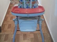 كرسي طعام للأطفال شبه جديده سعر 180 الف