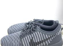 حذاء نايكي جديد