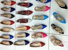 للبيع جملة أحذية نسائية كعب وفلات