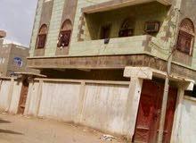 منزل ركن على شارعين ثلاث طابق مع حوش وخزان ارشي