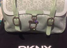 Dkny original bag   اصليه استعمال خفيف جدا