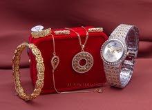 ساعة نسائية فاخرة مع مجوهرات بلاكيور فرنسي