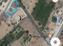 قطعة ارض في طريق السكة على المعبد مباشرة