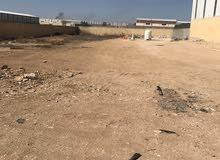ارض للايجار في سحاب شارع الميه بيجانب ترخيص سحاب رجم الشامي