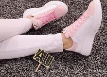 حذاء رياضي جميل