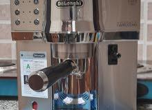 ديلونغي ماكينة قهوة وكابوتشينو