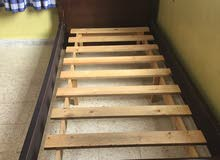 سرير تخت عدد 2 للبيع هاتف 0790446534