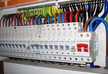 كهربائي تمديد وتأسيس وصيانة محلات ومنازل