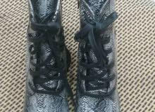 احذية عرطه