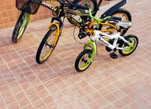 ثلاث دراجات هوائية البيع مع بعض شككي 45ريال