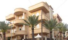 فرصة للإستثمار فيلا تتكون من 3شقق وبدروم في حي الاندلس موقع تجاري