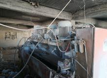 مصنع بلاط أتوماتيك بكامل معداتو بل أضافة الي ثلاث مكابس يدوية ورافعات ومضخات