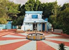 فيلا سكنية راقية نظام مناسيب بها حوض سباحة 2700م في طريق المطار ولي العهد