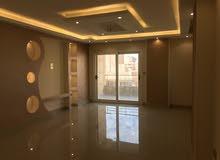 شقة للبيع بمدينة نصر بالمربع الذهبى قرب عباس العقاد (210) متر