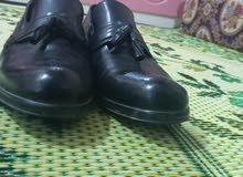 حذاء للبيع جديد لبسه وحده لبيه جلد