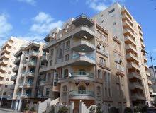 شقة 140م ناصية شارعين بجوار البحر مباشره - مسجلة في شاطئ النخيل