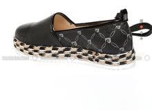 حذاء كاجوال للبيع