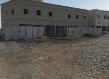مبنى سكني تجاري في التشطيبات النهائية في ولاية المصنعة الملدة