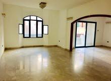 شقة 3 غرف وصالة تكييف على المالك الشارقة