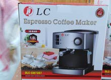 صانعة القهوة الإسبريسو والكابوتشينو والنسكافيه من DLC
