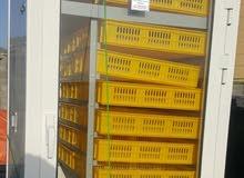 فقاسة انتاج شركة البلد  مستخدمة فترة بسيطة بحالة ممتازة جدا تتسع ل 1200 بيضة