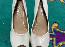 حذاء اوف وايت