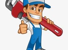 سباك ماهر علي اعلي مستوي في جميع تركيب أدوات الصيانة والتشطيب