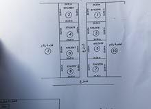 اراضي للبيع قريب من مثلث السيدة عائشة (القطعة رقم 1 و 2 فقط وعلي شارعين