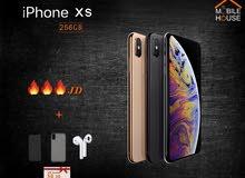 ايفون XS  جديد 256 جيجا كفالة apple سنة + 4 هدايا فعلية من Mobile House