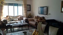 شقة مميزة للبيع في ام السماق طابق ثالث مع روف 395م تشطيب سوبر ديلوكس اطلالة رائعة