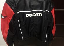 Use a Ducati jacket leather and a very excellent condition Syse XL & L