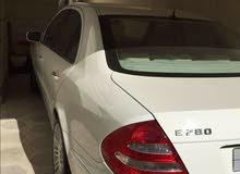 للبيع مرسيدس E280 لون ابيض نظيفة جدا على الشرط موديل 2006