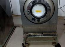 ماكينة مغسلة ملابس صناعية ايطالية 18كيلو غسل وعصر هاى سبيد للبيع