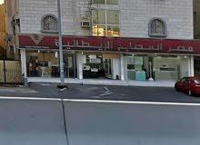 عمارة تجارية بحي الصفا امام خط الحرمين وخلفهامسجد وحديقة