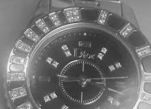 للبيع ساعة ديور لون فضي نسائية