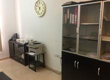 مكتب عقار للبيع مع الاثاث أو للإيجار