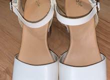 حذاء كعب مستعمل رخييصص جداا