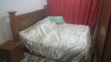 غرفة نوم مع المرتبة للبيع
