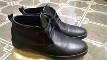 حذاء جديد للبيع