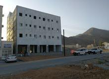 بناية تتكون من 5 طوابق