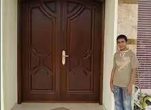 شاب سوري مقيم بالبحرين ابحث عن وظيفة مؤقته او دائمة مهنتي صباغ اخشاب 33624884