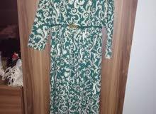 فستان سهرة وبدلتين رسميات وفساتين طلعة