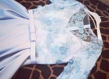 فستان سهرة او بدلة للبيع