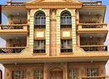 نصف روف مبنى شقة 170م +30م تراس بجنوب الاكاديمية ز بجوار نادى بيتروسبورت بتسهيلات 12شهر