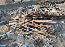 ادوات بناء اخشاب و سقالات وفرنسيات ومكينة خلط
