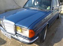 مرسيدس E200 موديل 1984