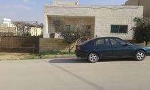 بيت للبيع في عين الباشا قرب مدرسة جسور المعرفة.